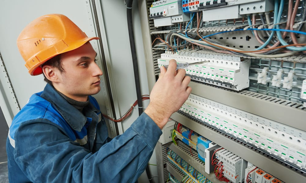 coles electrician hire